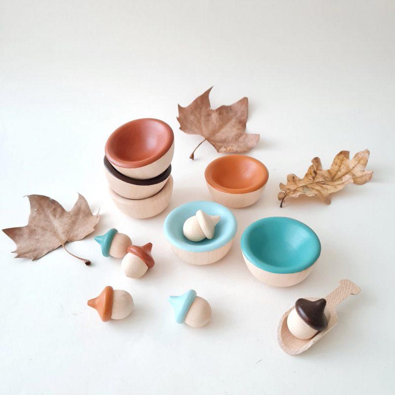 Acorns And Bowls – Autumn Colours